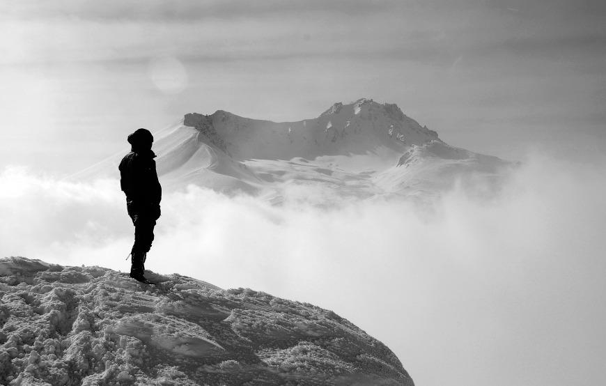 Montaña, hombre, soledad_pixabay